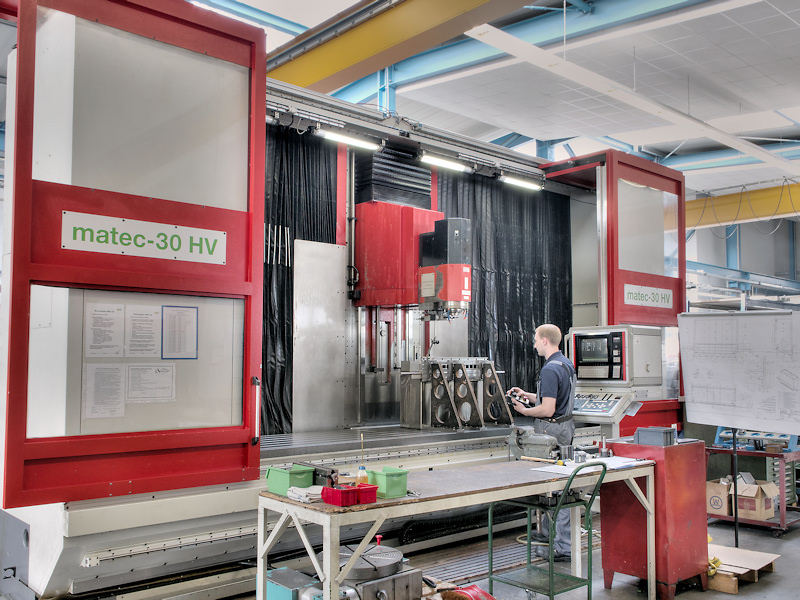 Production hall, Abacus GmbH, CNC machine, CNC-milling 3-5 axis